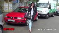 Ketie price naked Katy young - kleine teenie nutte bläst public und wird hart zerfickt