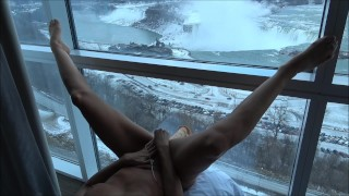 """HOT AMATEUR WIFE FUCKING LARGE DILDO ON WINDOW ABOVE THE """"FALLS"""""""