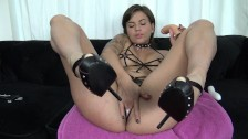 Hot French Brunette Has Massive Squirt Orgasm - Coquine Francaise éjacule