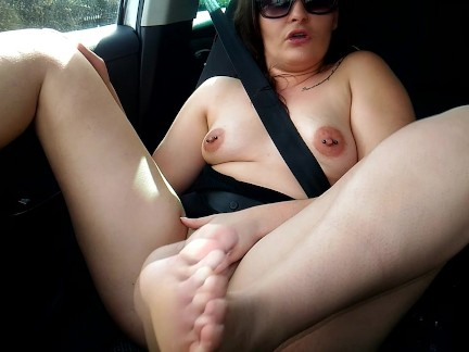 "I make a Big Fat Squirt in a Car. Un Big Squirt dans sa Voiture ""Outside"""