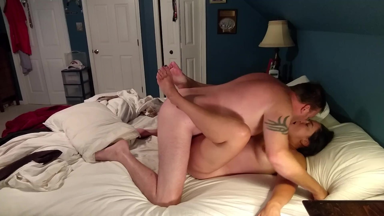 Sexy thick milf sucking and fucking middle-aged man