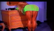 Cocktail dress sexy - Extreme muscular calves show in green dress and heels by ldr calf queen