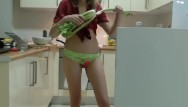 Adult computer internet chat and forum Sexy girl, chit chat in the kitchen coconut_girl1991_210917 chaturbate rec