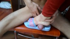Teen babe gives cruel heeljob then allows her bf to jerk off at her feet
