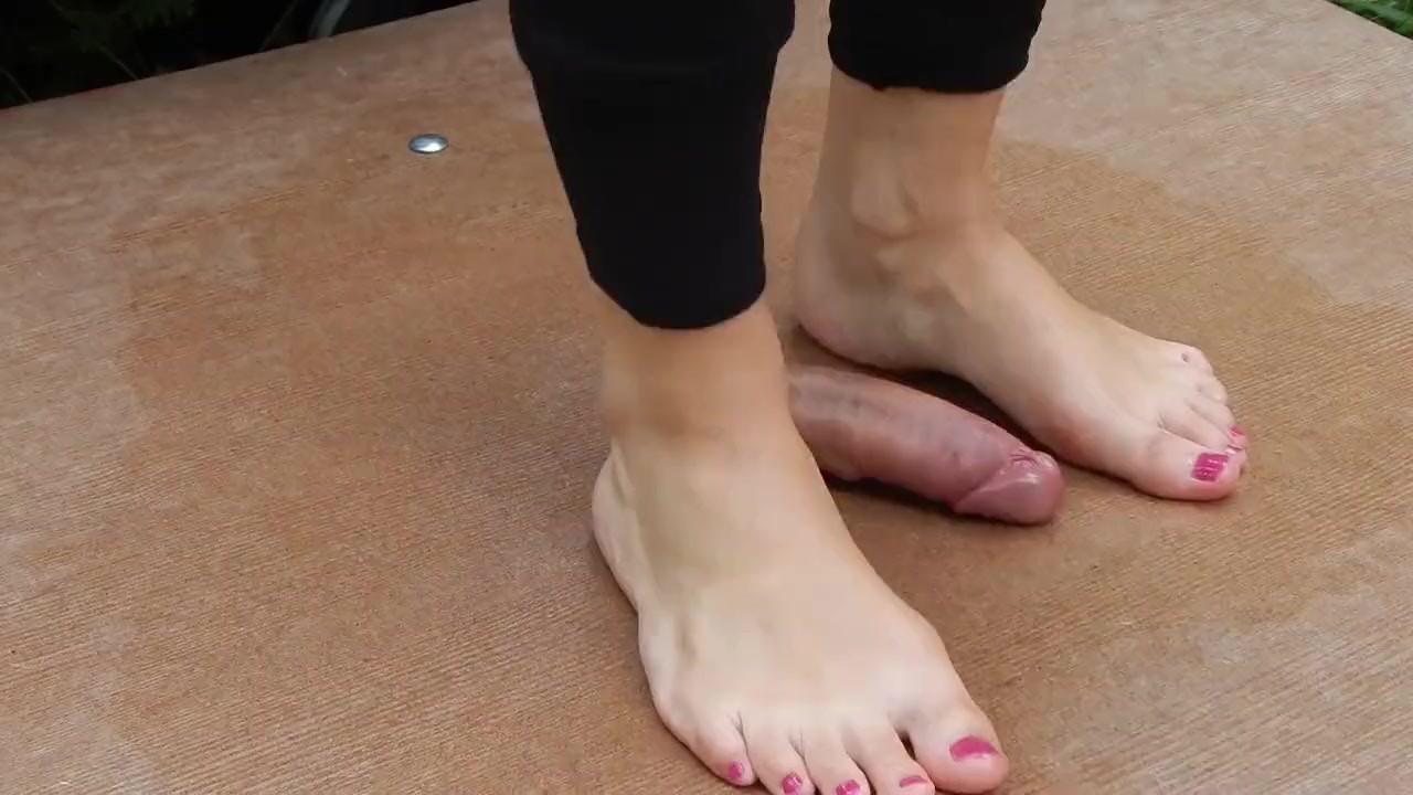 Фарфоровая танец с милые ноги и балеринас с кончил