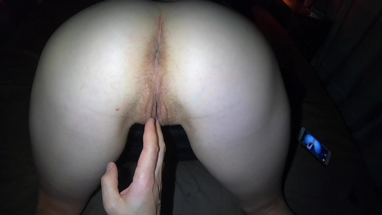 Маслянистая красный трусики массаж оргазм теребят большой жопа бедра и киска в трусики