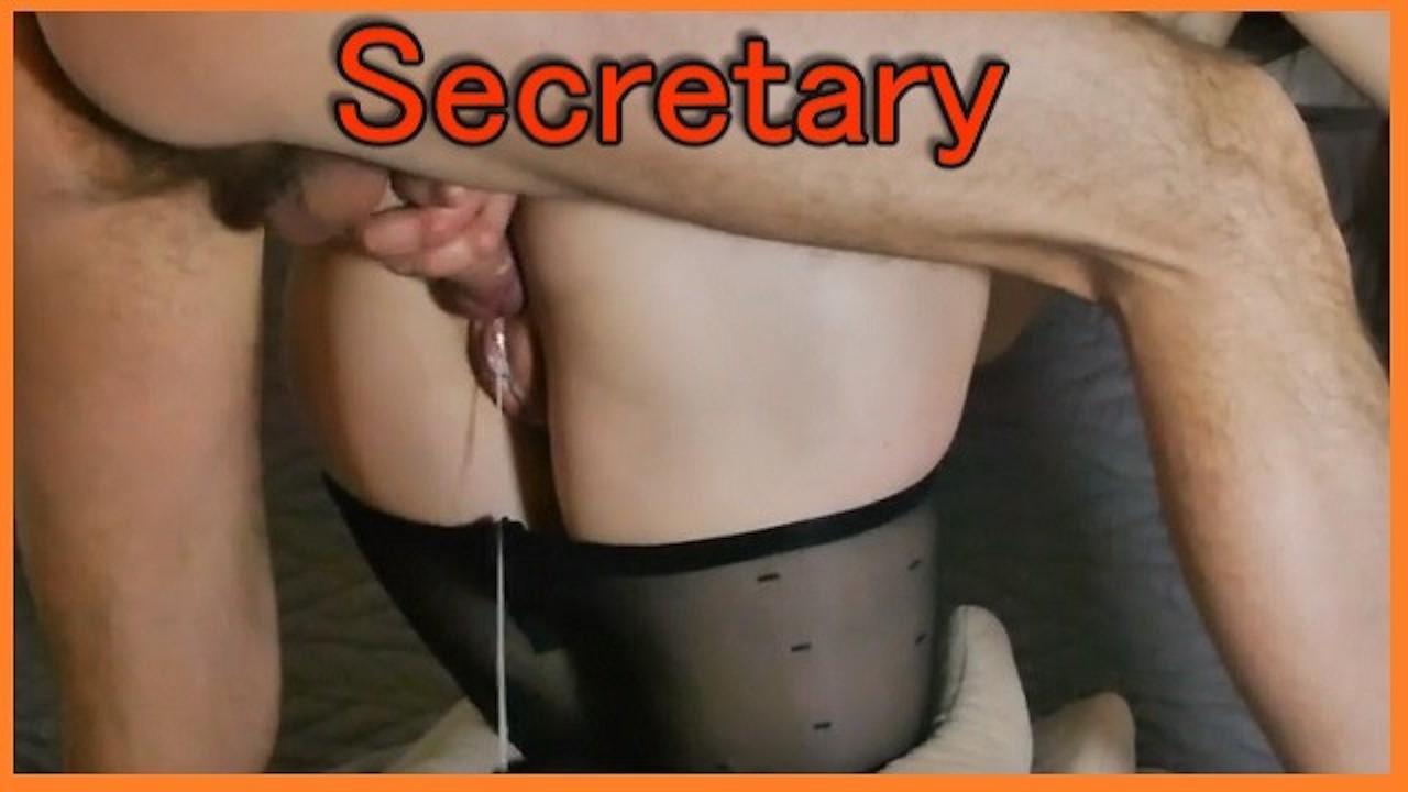 порно кончил внутрь секретарши столом