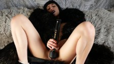 Cute french girl take an orgasm during the afternoon in her fur