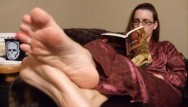 Amberlily nude galleries - Classic foot fetish stuff: bedtime feet