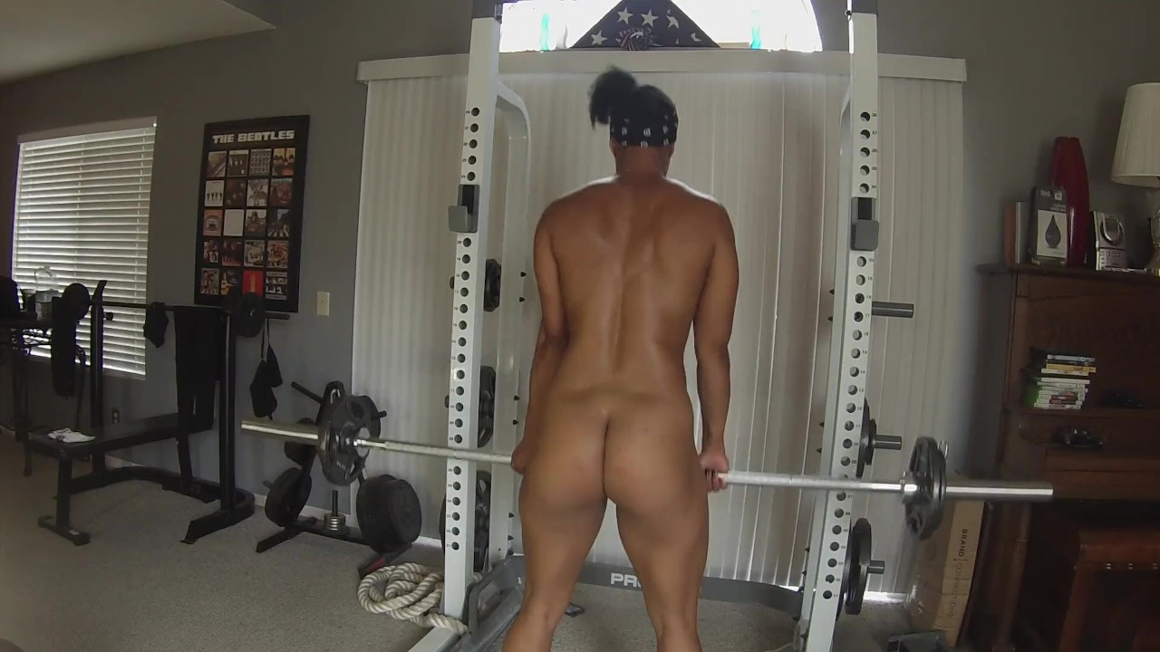 girl-naked-weight-lifting-gifs
