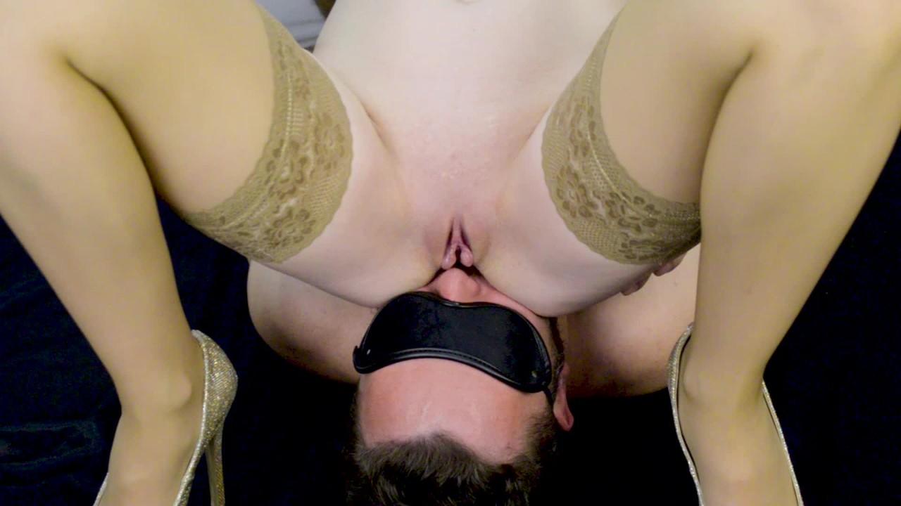 Села пиздой на губы видео, мужской кастинг эротики