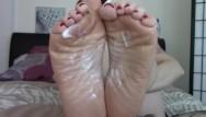 Wrinkled old cock Joi cei for mommys feet stepson wrinkled soles pov