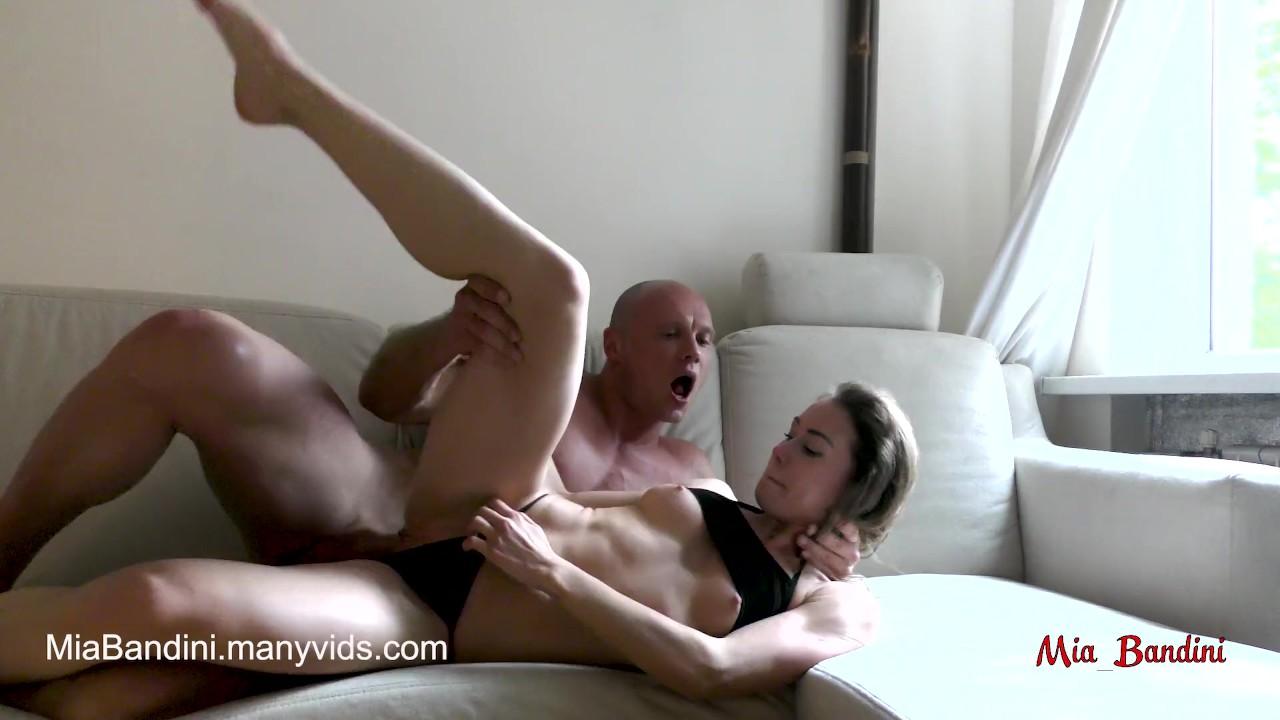 Студенты детка миа бандини - сумасшедший от грубо оргазм и страстный секс