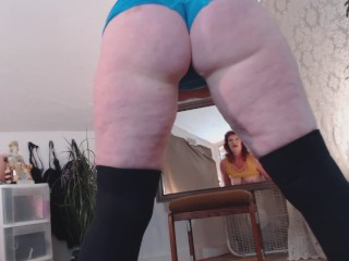 V89 Full figured DawnSkye in naked yoga and pussy squeezes
