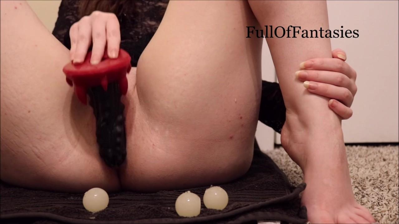 Играя с моим яйцеклада, торопливый устные и киска яйцо рождения