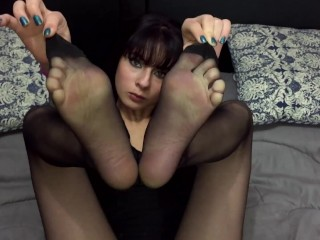 Diosa Valentina Castiblanco – My feet from above (Custom Request)