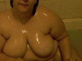 BBW Taking a Bath