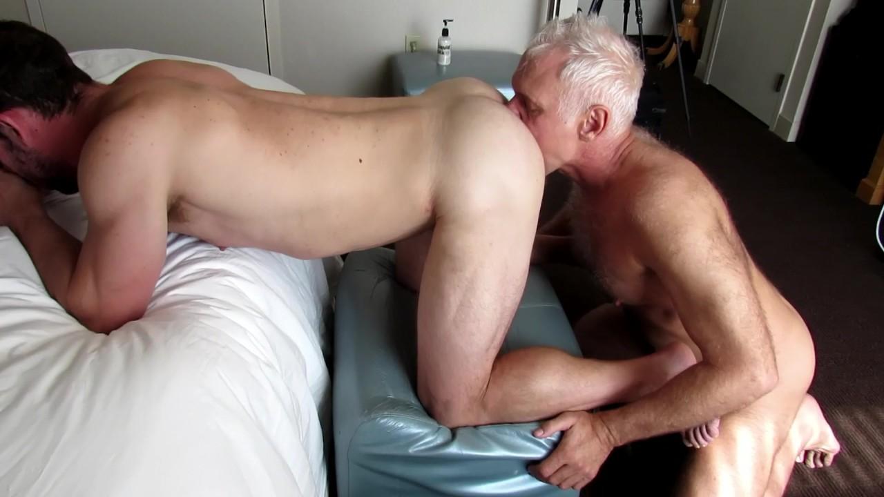Silver daddy gay porno pics