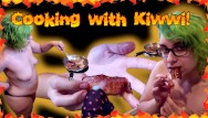 Patricia bacon sex therapist Cooking with kiwwi and eating cum covered bacon