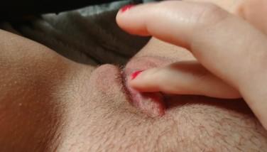 4K masturbate in legging and watching porn