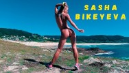 Naked sexy woman - Naked russian girl sasha bikeyeva dancing on the shore of the ocean 4k