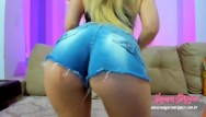 Free webcam stripper Blonde wiggling her ass on webcam