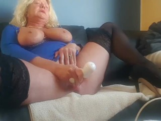 Fucking tight mature pussy till squirting then wait for it…… ;-)