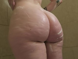 Girlfriend Masturbates In Shower And Apologizes For Cumming Too Soon