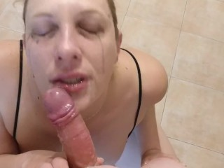 Chaturbate Italian model gives POV blowjob to a fan and gets final reward