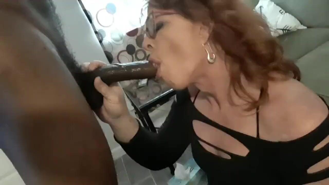 perky-deepthroat-shemale-tube-video-women