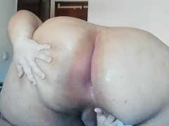 trans girl bbw plays with her fat ass and cums