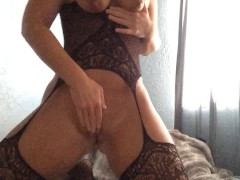 Mom Likes Jerking And Squirting