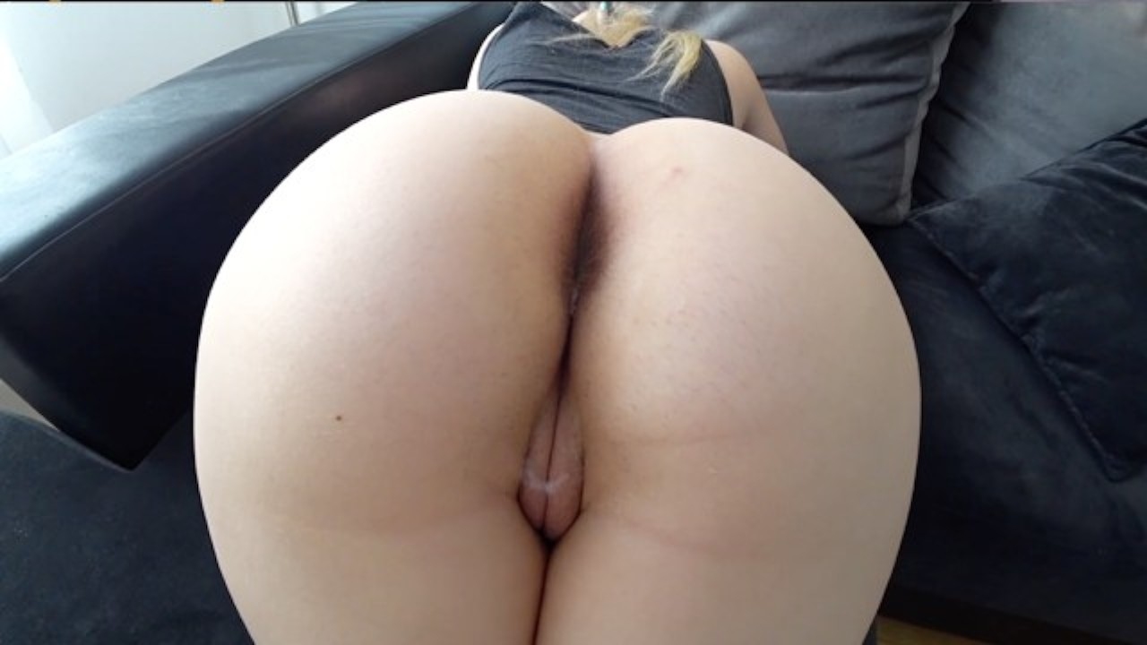 Loud BBW amateur gets nails from behind