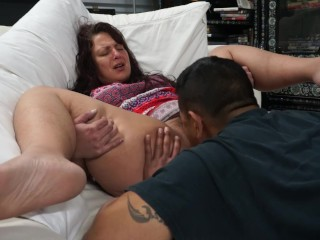 Horny milf gets tongue fucked and cums in guys mouth
