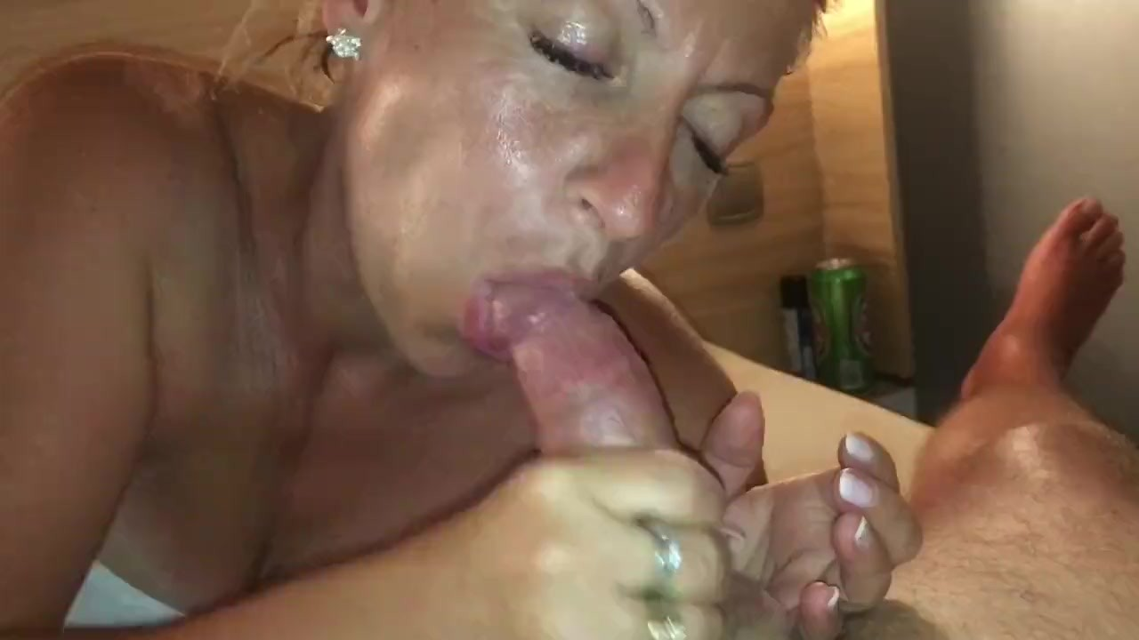 Sexy girl fisting