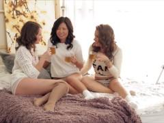 Lesbians Liona & Veiki & Latoya Swallow Dude's Hefty Bone In Group Sex