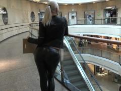 Fick Mich Public In Der Umkleide | Spermaschlampe Im Buying Center