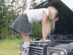 I Plowed Her Eventually - Appetizing Ash-blonde Attempts To Restore The Outside Car