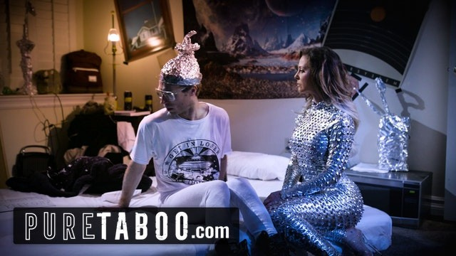 Conspiracy Theorist Meets Sexy Female Alien -PURE TABOO