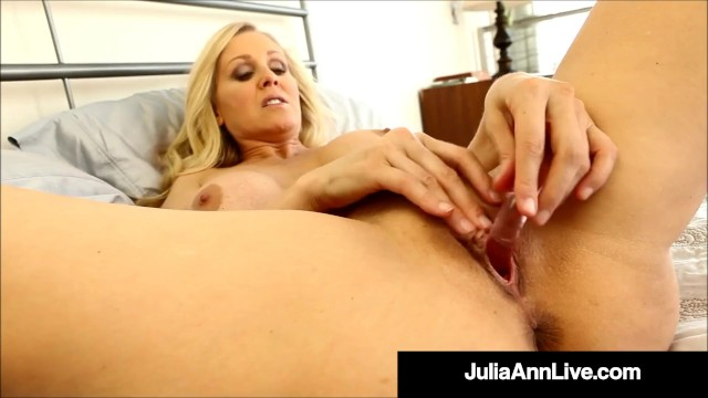 Busty Self Pleasuring Cougar Julia Ann Dildo Drills For Horny Cocked Fan!
