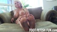 Porn toes Femdom foot fetish and pov toe sucking porn