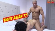 Hot sex dogging Superstar bodybuilder fucks his roomates asian girl. damn dog