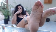 Mature tits amateur - Wrinkled mature feet pov outdoors- you worship while i smoke