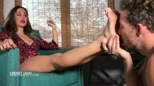 Lindsey Leigh Spits On Foot Worshipper