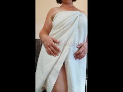 Italian Wifey Yam-sized Butt Frigging Furry Pussy, Urinate Stand And Gobble Pearly Pussy