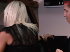 Vipsexvault - Super Warm Ash-blonde Nubile Desires To Upgrade Her Intercourse Skills