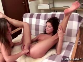 Lesbian Teen Lovers Love Pussy Cum