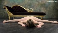 Spreas naked Klara lookova makes naked spreads