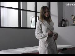 Naked First Time Rubdown With Jennifer Lorentz