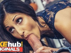 FAKEhub Originals mannequin comes alive to quick fuck and squirt